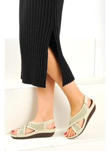 Pembe Potin A2360-19 Kadın Sandalet Bej